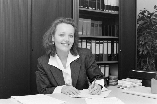 1237_002_218_019 - Personeelfoto van een medewerker Van Spaendonck in maart 1998.