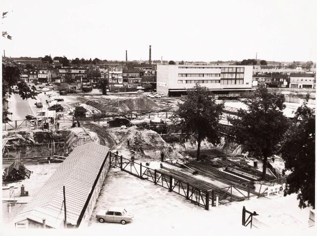 032471 - bouw van de voetgangerstunnel onder de Paleisring thans aan het Stadhuisplein