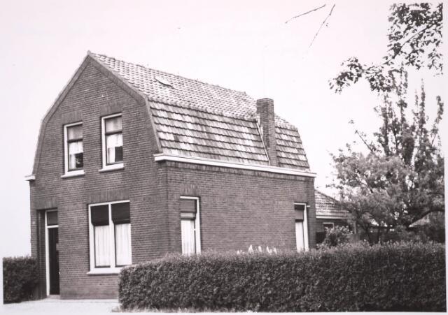 030805 - De Schans.Voorheen Rugdijk 24. Hier woonde  familie de Kruif.