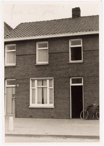 034084 - Voorgevel pand aan de Jac. van Vollenhovenstraat 247