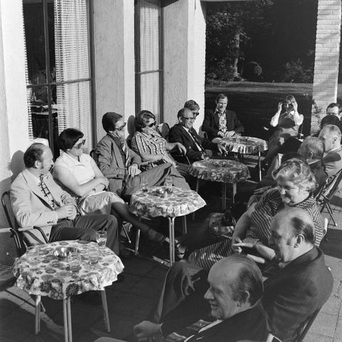 1237_012_989-1_005 - Viering van een jubileum van textiel firma Van Besouw b.v. bij restaurant Boschlust in Goirle in mei 1977.
