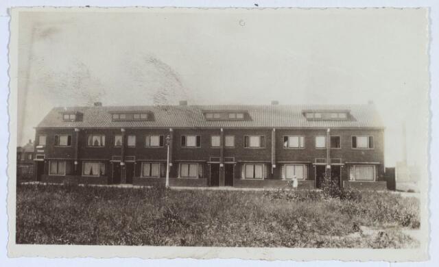 019919 - Nieuwbouwwoningen aan het Hagelkruisplein kort na de oplevering in 1934