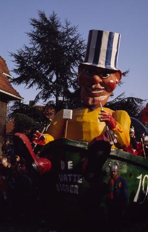 656423 - Carnaval. Optocht in Tilburg in 1983. De vatte bieren.