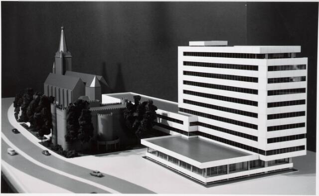 032547 - Maquettes van het administratiegebouw van de gemeente secretarie aan het Stadhuisplein
