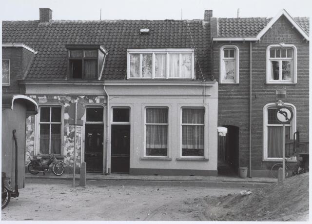 025465 - Panden Langestraat 50 (links) en 52 (rechts), die inmiddels zijn afgebroken