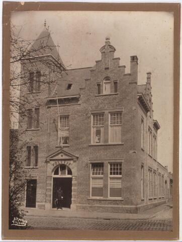 650581 - Schmidlin.Het politiebureau aan het Wilhelminapark, op de hoek van het Smidspad, 1922.