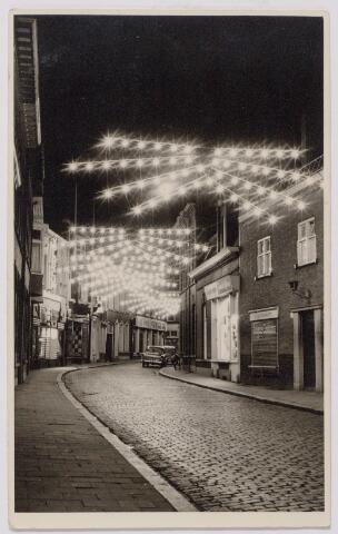043966 - Feestverlichting in de Juliana van Stolbergstraat.