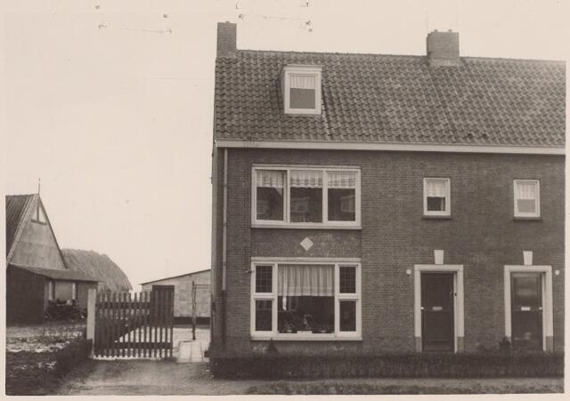 025707 - Pand Moleneind 130 (tegenwoordig Leharstraat) begin 1965