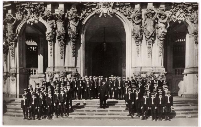 052461 - Muziekleven. Het Kreuzchor uit Dresden zong op 1 oktober 1931 te Tilburg.