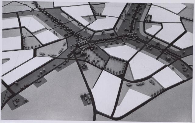 026257 - Gedeelte van de wijk Heikant, met in het wit aangeduid een uitbreidingsplan