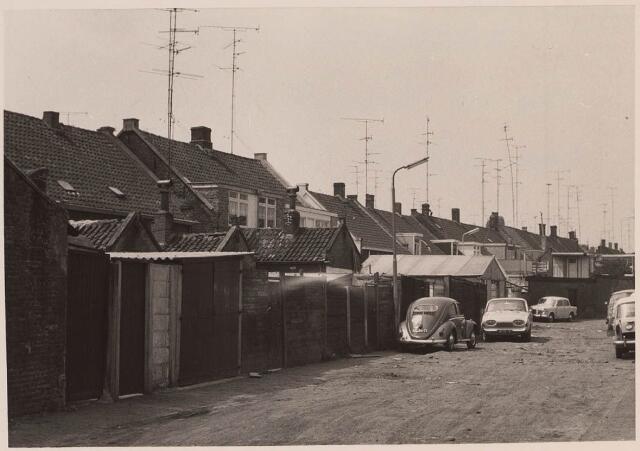 023040 - Achterzijde van woningen aan de Lange Nieuwstraat gezien vanuit de Joannes van Oisterwijkstraat