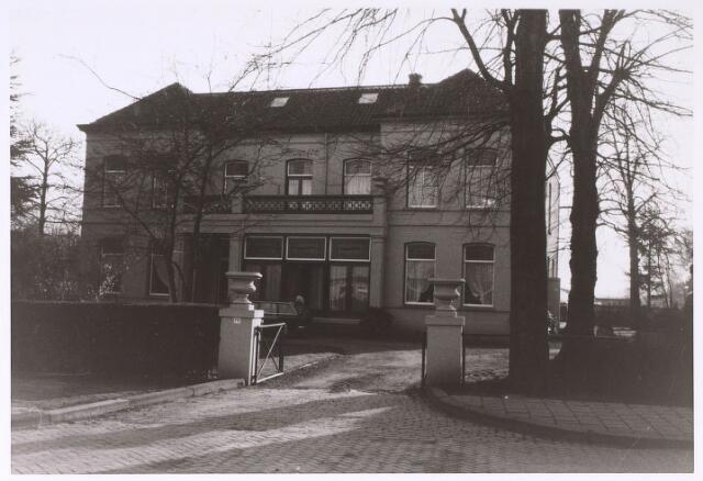 024020 - Huize Fleurette op Koningshoeven, voorheen De Biezenwei geheten omstreeks 1975