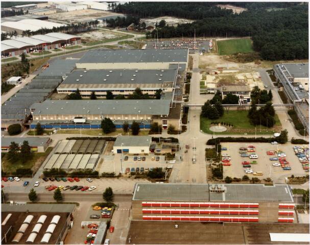 035442 - Luchtfoto van het bedrijfspand van  Volt aan de Zevenheuvelenweg 25 op het industrieterrein noord.