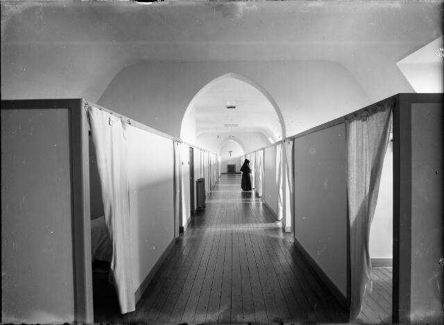 604572 - Trappistinnenabdij O.L.V. van Koningsoord te Berkel-Enschot.