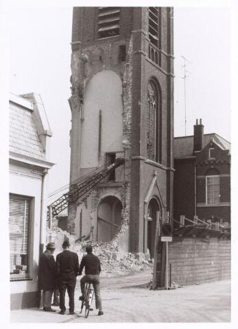 017072 - Sloop van de kerk van de parochie St.-Anna in 1973