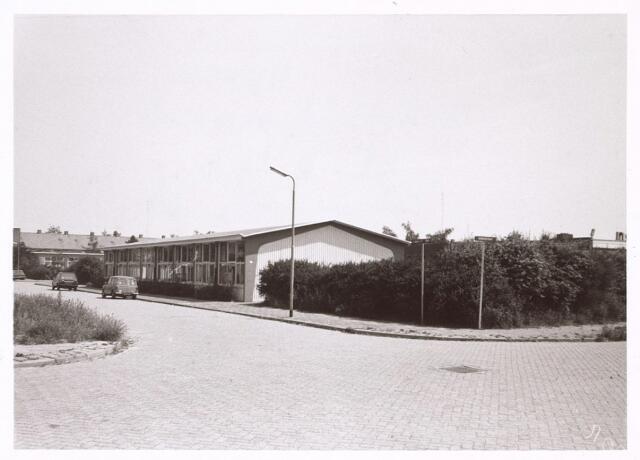 017998 - Onderwijs. Schoolgebouw aan de Eendenjachtstraat.