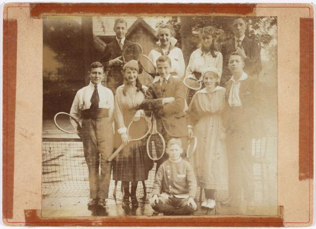 007505 - Sport. Tennis. Lawn Tennis Club Philharmonie.