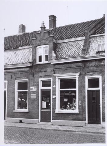 014114 - Het Solexhuis van P. van Pinxteren, gevestigd aan de Akkerstraat 43