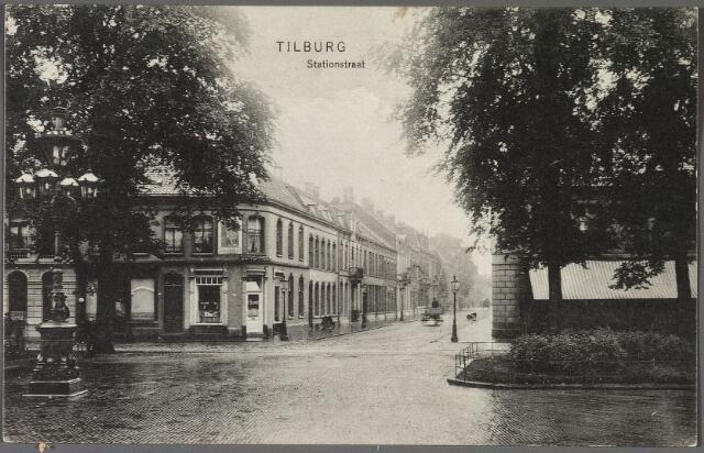 010914 - Stationsstraat vanaf de Spoorlaan.