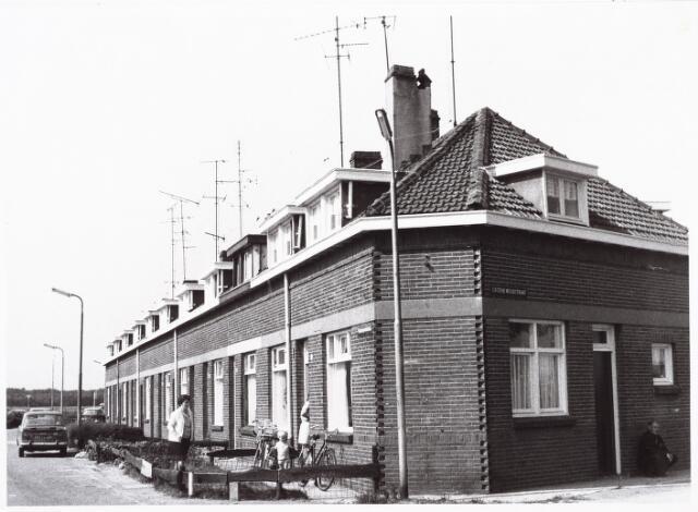 027379 - Stappegoorstraat 22-40, thans Oeralweg, hoek Groenewoudstraat.