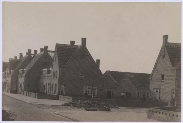 023001 - Jan van der Leestraat (rechts) gezien vanuit de Nazarethstraat