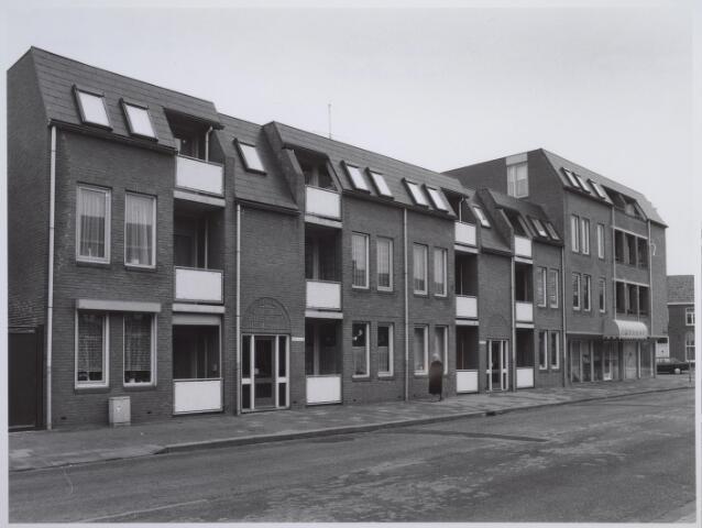 026601 - Appartementen op de hoek Molenstraat - Hoefstraat. Op deze plaats stond voorheen een Kempisch verdiepinghuis