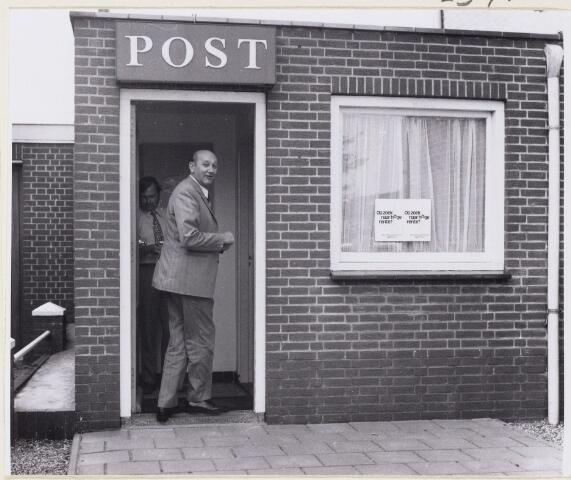 101593 - Dorst. Cirminaliteit. Postkantoor na overval.