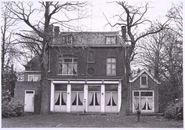 023270 - Achterzijde van huize Trovato aan de St. Josephstraat 106 eind december 1970