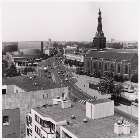036468 - Panorama van Tilburg vanaf de flat aan het Koningsplein.