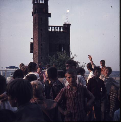650191 - Gerardus Majellaschool, Hulten. Schoolreisje Nijmegen e.o., rond 1970.