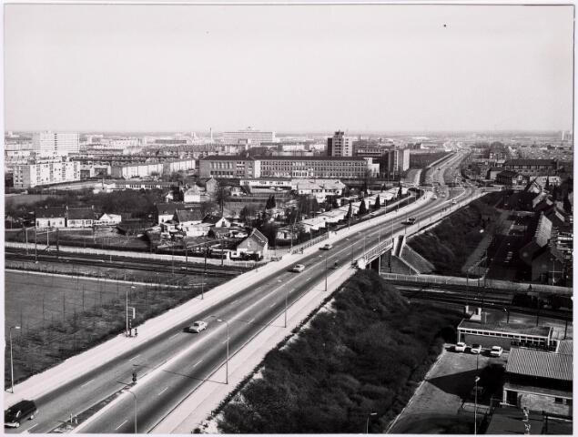 036341 - Panorama van Tilburg vanaf de flat aan de Hart van Brabantlaan (Ringbaan-West)