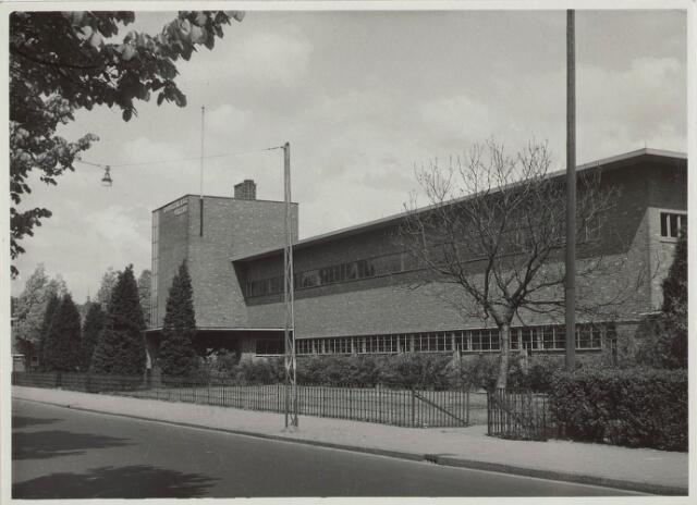 030141 - Voortgezet onderwijs: Rijks H.B.S. Willem II aan de Ringbaan-Oost, gebouwd in 1932