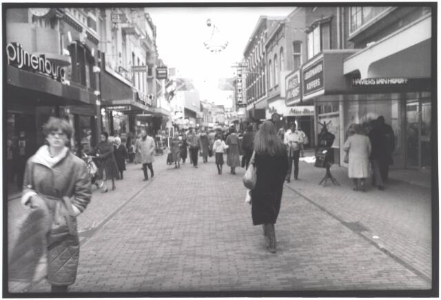 021926 - Heuvelstraat, gezien in de richting van de Heuvel