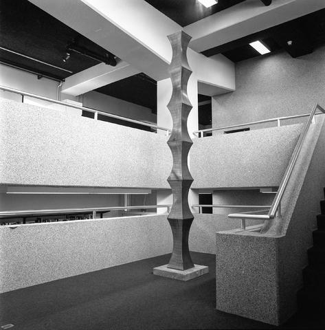 "D-002574-1 - Interieur Kultureel Sentrum ""de Koningswei""."