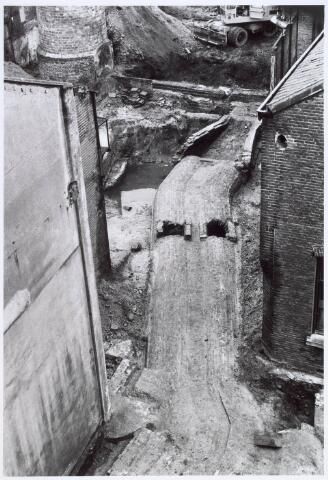 019249 - Opgravingen op het complex van de voormalige wollenstoffenfabriek C. Mommers