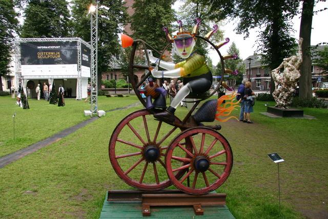 657316 - Kunst en cultuur. Tentoonstelling Oisterwijk Sculptuur.  Een jaarlijkse beelden expositie in het centrum van Oisterwijk.