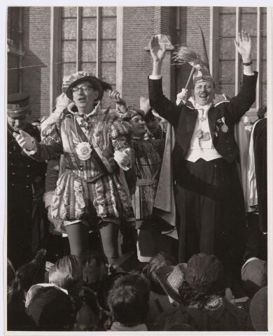 101341 - Carnaval 1963. Intocht Prins Mienus I (Gerard van de Griend).