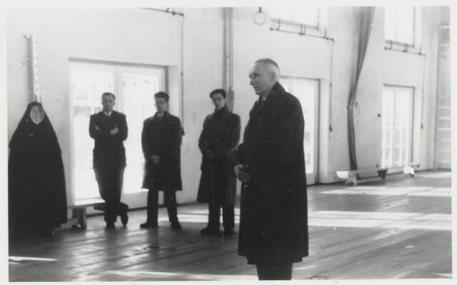 90757 - Made en Drimmelen. Opening van de gymzaal aan de Patronaatstraat in 1955