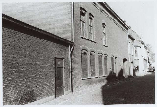 025577 - Bedrijfspand aan de Langestraat