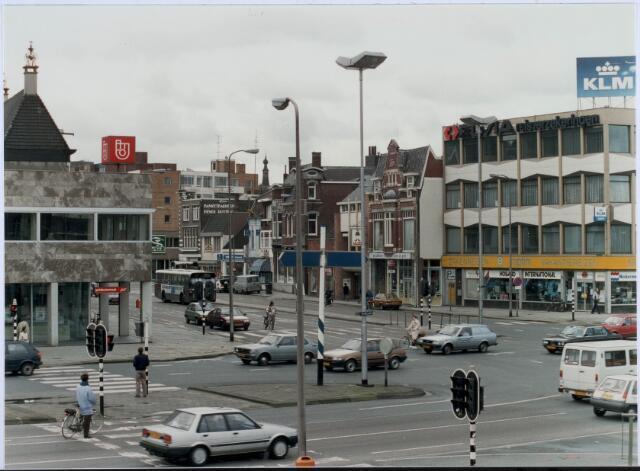 021118 - Kruising Spoorlaan (voorgrond) en Heuvel begin 1989