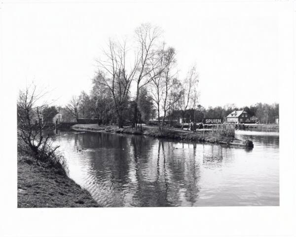 039812 - Sluis 3 in het Wilhelminakanaal nabij Dongen