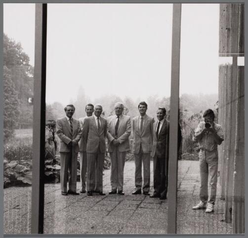 102608 - College van Burgemeester en Wethouders 1986-1990. V.l.n.r. wethouder CDA Piet Schriek, gemeentesecretaris A. van der Beek, J. Rosierse, burgemeester A. Mater, wethouder PvdA C.J.J.A (Kees) Leijten, P. Willemsen.