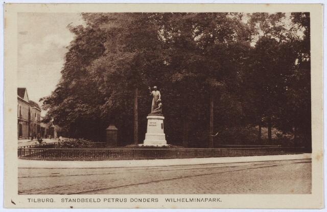 002805 - Beeld van Petrus Donders op de noord-westhoek van het Wilhelminapark.