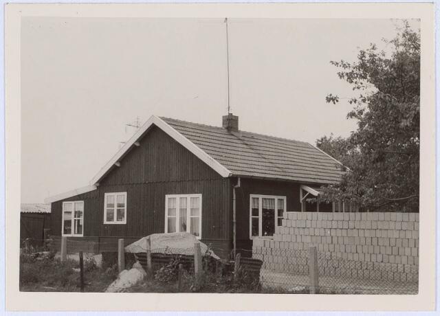 020679 - Houten huis aan het Hazennest 3 in het midden van 1963