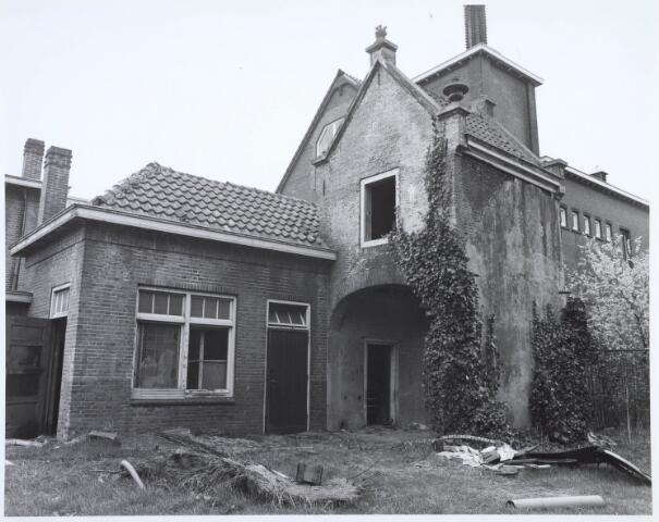 019120 - Achterzijde van het zogenaamde ´norbertijnenpoortje´, behorende bij de voormalige pastorie van de parochie Goirke en dat als enige de sloop in 1927 overleefde. Norbertijnerpoort.
