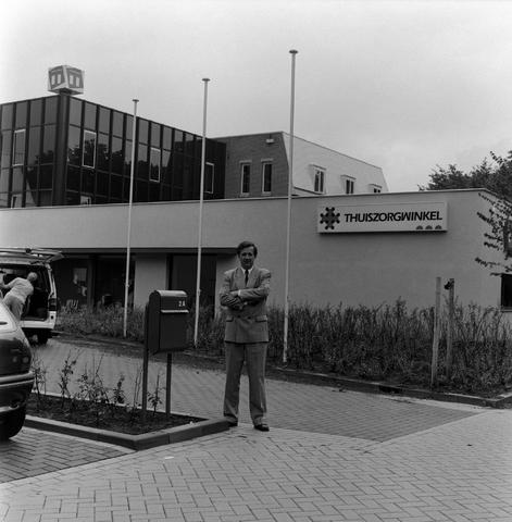 1237_010_761_004 - Thuiszorg Midden-Brabant . De heer van Hoeckel