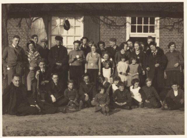 052080 - Hoger Voortgezet Onderwijs. Katholieke studentenvereniging St. Leonardus. Wandeltocht Loon op Zand - Udenhout.