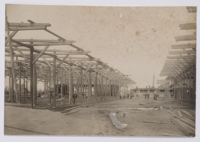 045433 - Bouw van houtstapelplaatsen bij N.V. Houthandel v/h G. Keij aan de Bosschweg.