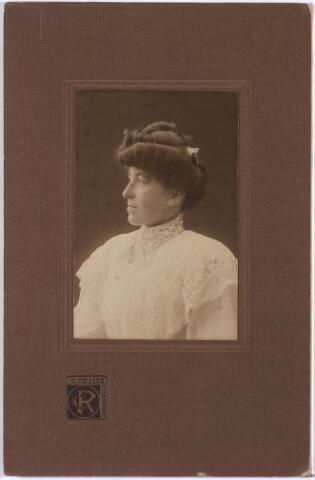 011415 - Caroline Maria Wilhelmina BOGAERS, geboren Tilburg op  25 december 1872, aldaar overleden op 11 september 1912.