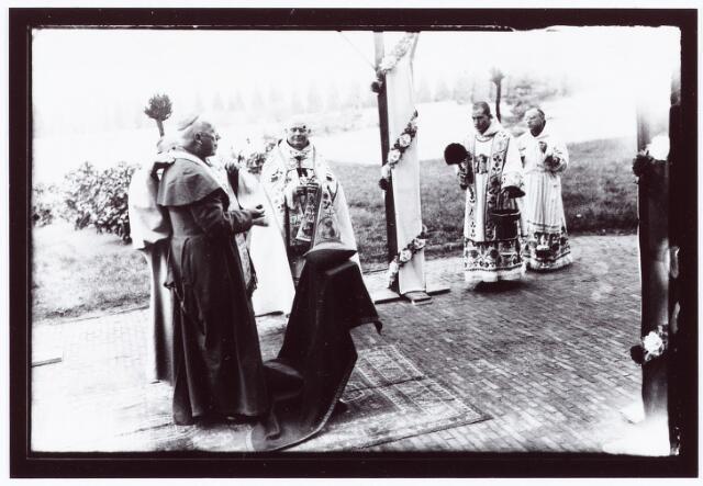 062282 - Kloosters. Viering van het 50-jarig bestaan van de abdij van Onze Lieve Vrouw van Koningshoeven aan de Eindhovenseweg 3